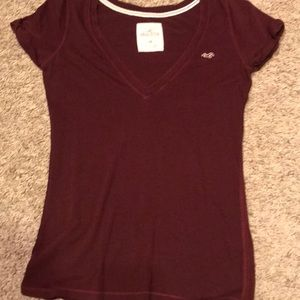 Hollister Maroon, v neck tee, medium